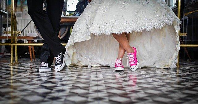 merancang pernikahan